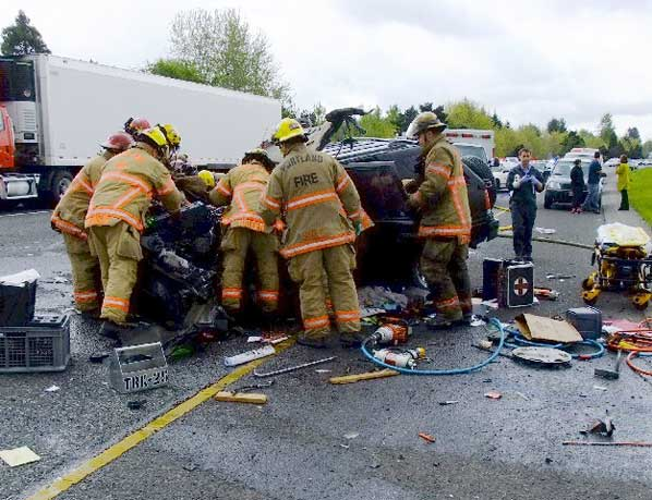 Grinding head-on crash closes I-205 for half a day   East PDX News