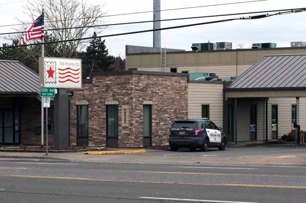 Nw Credit Union >> Division St Credit Union Robbery East Pdx News